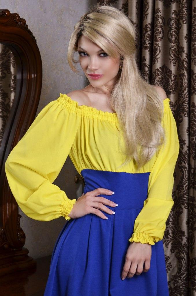 Фото желто синее платье